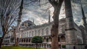 伊斯坦布尔,土耳其- 2013年2月9日:蓝色清真寺(Sultanahmet Cami)在Sultanahmet,伊斯坦布尔,土耳其 免版税库存图片