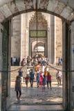 伊斯坦布尔,土耳其- 7月07 :入口的访客对蓝色 免版税库存照片
