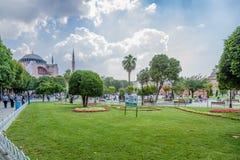 伊斯坦布尔,土耳其 Sultanahmet广场和圣徒索菲娅大教堂, 537 库存照片