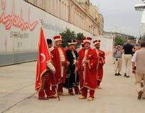 伊斯坦布尔:奥斯曼帝国军乐队的成员 库存图片