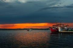 伊斯拉克里斯蒂纳,韦尔瓦省,西班牙- 2008年10月18日-在韦尔瓦省省的捕鱼港口 伊斯拉克里斯蒂纳是城市,并且自治市位于 库存照片