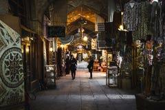 伊斯法罕,伊朗- 2016年10月06日:传统伊朗纪念品 免版税库存照片