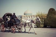伊斯法罕,伊朗- 2016年10月06日:一个马和支架在Naqsh- 免版税图库摄影