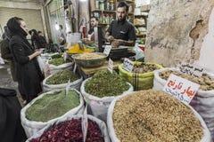 伊斯法罕,伊朗- 2016年10月06日:里面香料市场在伊斯法罕 库存图片