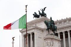 伊曼纽尔对胜者的骑马者ii纪念碑罗马 库存照片