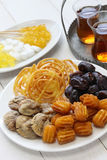 伊朗茶和甜点 免版税库存图片