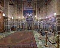 伊朗, Al Rifaii清真寺皇家清真寺的礼萨Shah的坟茔的内部,位于前面开罗城堡,埃及 免版税库存图片