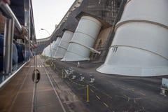 伊泰普水电站水坝巨人笔杆的看法 库存照片
