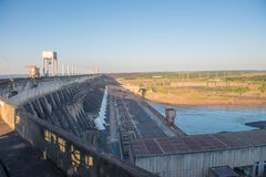 伊泰普水电站水坝观点在福兹做伊瓜苏 免版税库存图片