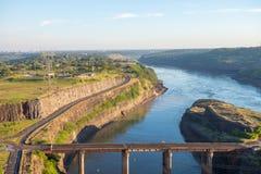 伊泰普水电站水坝观点在福兹做伊瓜苏 图库摄影