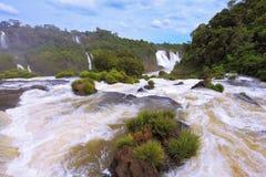伊瓜苏打雷的瀑布  免版税库存图片