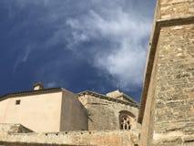 伊维萨岛市美丽和老村庄  免版税库存图片