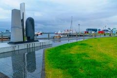 伊芙网上纪念碑在雷克雅未克港口  免版税库存图片