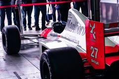 伊莫拉,意大利2019年4月28日:艾尔顿・冼拿的迈凯轮公式1汽车 免版税库存照片