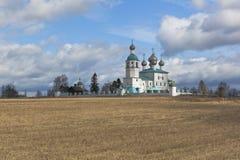 伊莱贾教会在镇Kadnikov Sokolsky区,沃洛格达州地区附近的先知 免版税库存图片