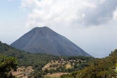 伊萨克火山火山萨尔瓦多 免版税库存照片