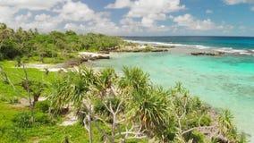 伊顿海滩,埃法特岛,瓦努阿图,在维拉港-著名海滩附近,东海岸 股票视频