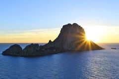 伊维萨岛不可思议的岩石  库存照片