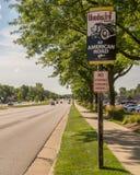`伍德沃德大道:所有美国路`标志,在伍德沃德梦想巡航 库存照片