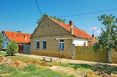 伏伊伏丁那的传统房子 免版税库存照片