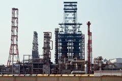 伏尔加格勒精炼厂的生产部门的看法 免版税库存图片