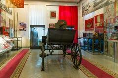 伏尔加格勒,俄罗斯- 2016年11月04日 与一挺机枪的Tachanka在纪念和历史博物馆 免版税库存图片