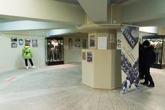 伏尔加格勒,俄罗斯- 2016年11月02日 人们在记忆博物馆-安置囚禁法西斯主义的法警保罗斯在二战 库存照片