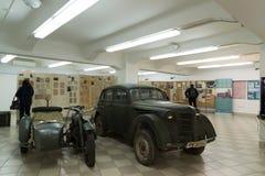 伏尔加格勒,俄罗斯- 2016年11月02日 军用设备在记忆博物馆-安置囚禁法西斯主义的法警保罗斯在世界大战 免版税库存照片