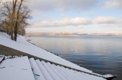 伏尔加河的岸 免版税库存图片