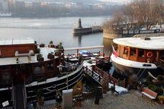 伏尔塔瓦河小船 库存图片