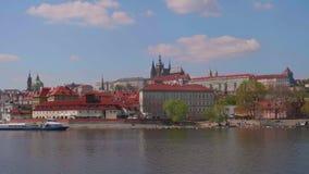 伏尔塔瓦河河和布拉格城堡的看法 影视素材