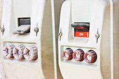 380伏特的老未使用的意大利三相开关 库存照片