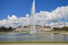 巴伐利亚、德国- Schleissheim城堡和喷泉 库存照片