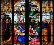 1847年巴伐利亚byking的大教堂基督科隆香水停止的dom捐赠的德国玻璃他的我舔ludwug显示被弄脏对是的做的母亲哀悼的其它谁视窗 库存照片