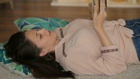 休息和读书 影视素材