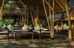 休息室在一家旅馆里在印度尼西亚假期 图库摄影