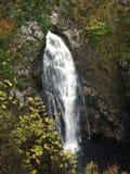 休息室-瀑布的秋天 免版税库存照片