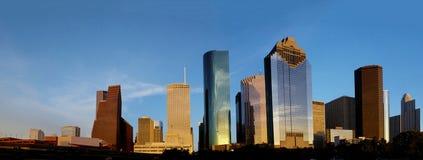 休斯敦地平线在晚上阳光下 免版税库存照片
