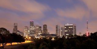 休斯敦地平线在晚上,得克萨斯 免版税库存照片