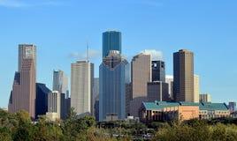 休斯敦街市城市地平线从水牛城多沼泽的支流公园的 免版税库存照片