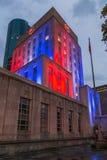 休斯敦香港大会堂,得克萨斯的照明在夜之前 免版税库存图片