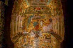 休斯敦,美国- 2017年1月12日:美丽和五颜六色画在古埃及的石棺里面国民的 库存图片