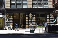 众神使者的手杖和旧金山` s最老的精神零售商, 2 库存图片