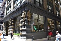 众神使者的手杖和旧金山` s最老的精神零售商, 1 库存图片