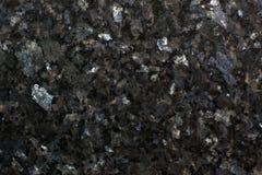 优美的花岗岩表面在呈虹彩板材绿宝石珍珠的 库存照片
