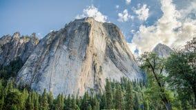 从优胜美地国家公园的全景风景 库存照片