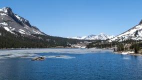优胜美地国家公园- Mountain湖 免版税库存图片