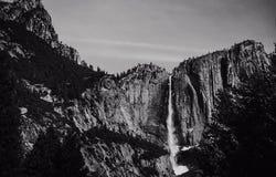 优胜美地瀑布在早期的春天 免版税图库摄影
