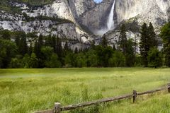 优胜美地瀑布,优胜美地国家公园,加利福尼亚,美国- 2016年5月16日 库存照片