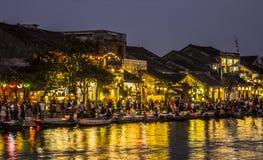 会安市河沿在晚上 免版税库存照片